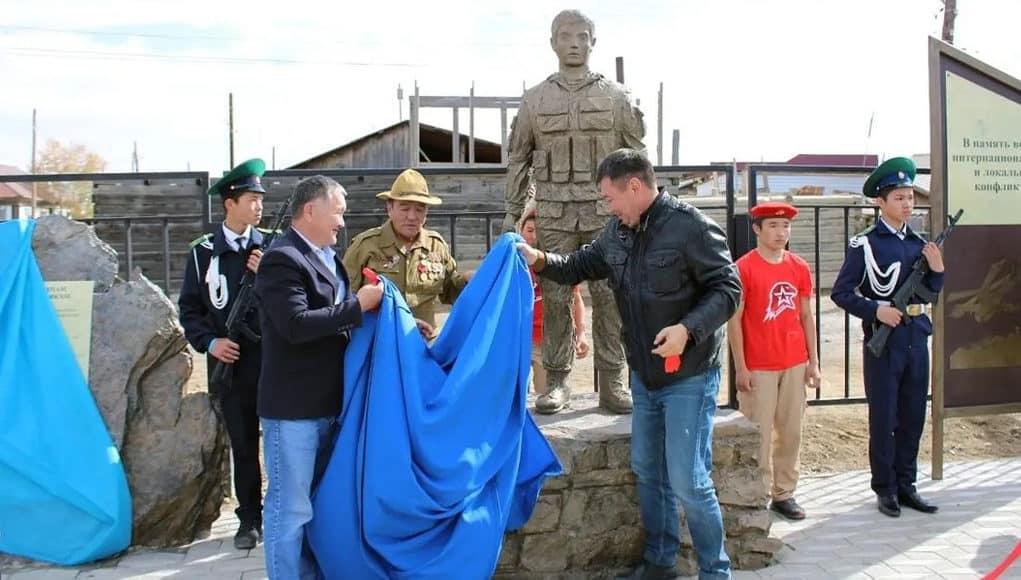 Памятник воинам-интернационалистам открыли в Кош-Агаче