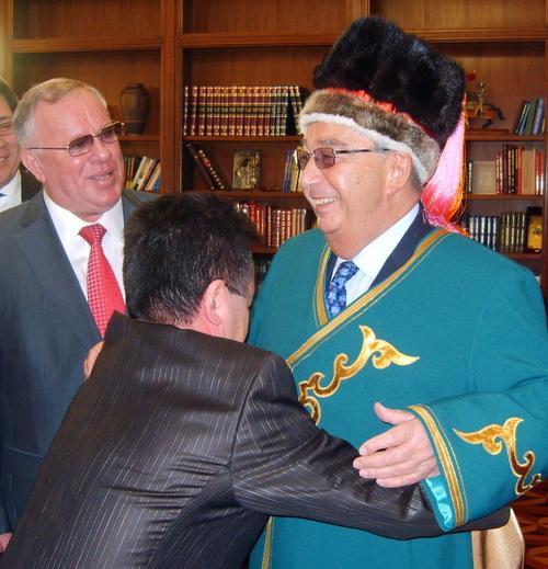 Евгений Примаков вслед за Путиным прибыл в Горный Алтай