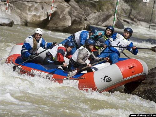 На соревнованиях «Чуя-ралли» (фото пресс-службы администрации Алтайского края)