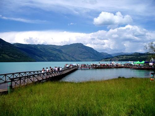 В год Канас посещают около 2 млн туристов