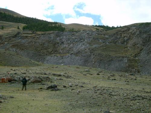 В эпицентре алтайского землетрясения 2003 года