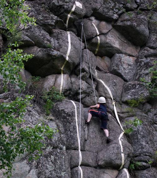 Соревнования по скалолазанию (фото: Алтай в деталях)