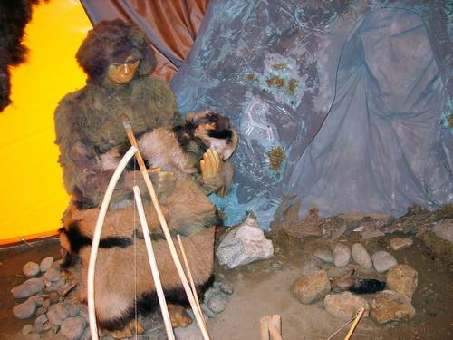 Мадонна с младенцем, 400 тыс. лет назад