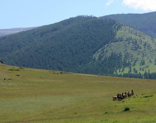 По замыслу организаторов, путешественники повторят путь, по которому калмыки 400 лет назад пришли в Россию