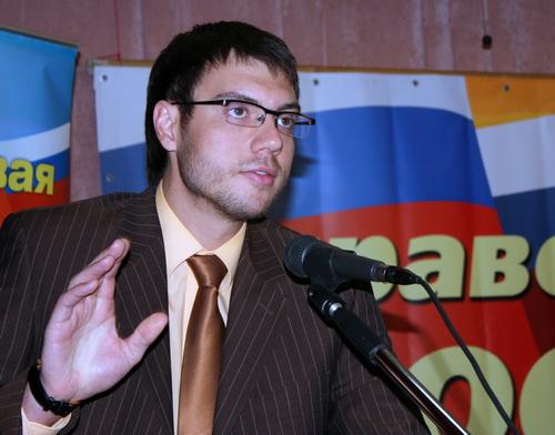 Советник спикера Совета Федерации РФ Валерий Чебеков довел до сведения присутствующих пожелания Сергея Миронова