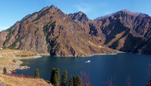 Озеро Тяньчи (фото Panoramio.com)