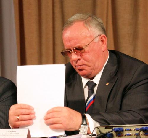 Глава республики Бердников отчитался по просьбе Старой площади