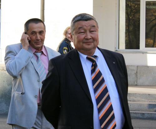 Среди эвакуированных – министры (труда и социального развития Геннадий Сумин и имущественных отношений Сергей Кардаманов)
