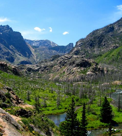 Считается, что пейзажи Йелоустоуна напоминают Горный Алтай