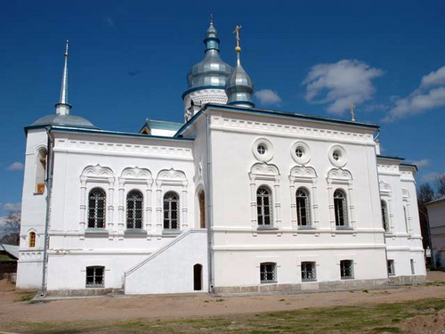 По версии Дементьева, за стенами Спасо-Елеазаровского монастыря творятся черные дела