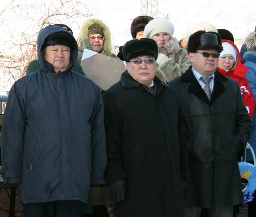 Социальная «троица» - министр труда и соцразвития Геннадий Сумин, первый вице-премьер Юрий Антарадонов, министр здравоохранения Игорь Яимов