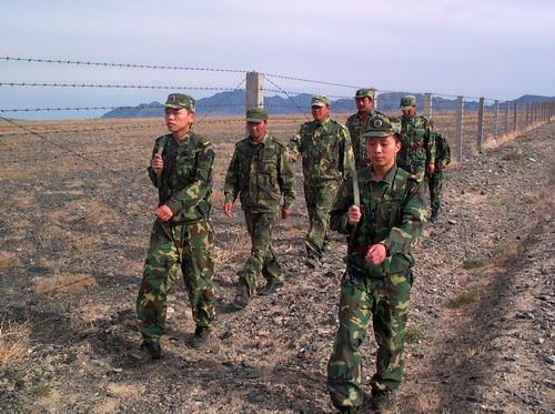 Несмотря на просьбы партнеров по Большому Алтаю, китайские пограничники до сих пор не пускают через границу граждан третьих стран