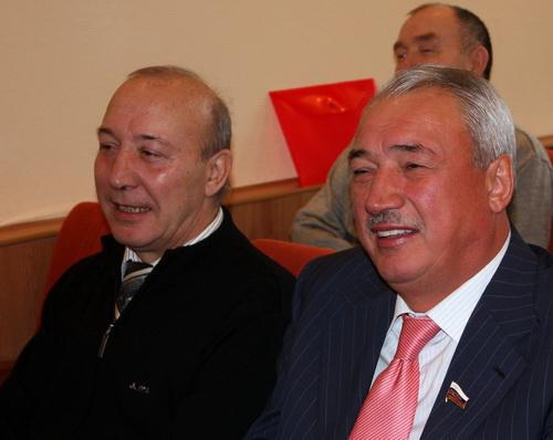 … и Ралиф Сафин (справа)