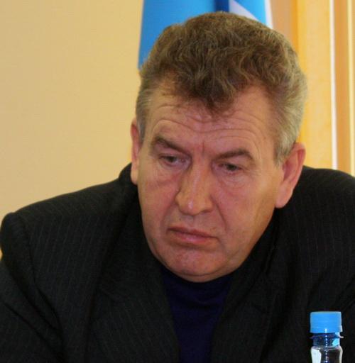 В отличие от господина Сафина главный федеральный инспектор по Республике Алтай Александр Завьялов казался чем-то огорченным