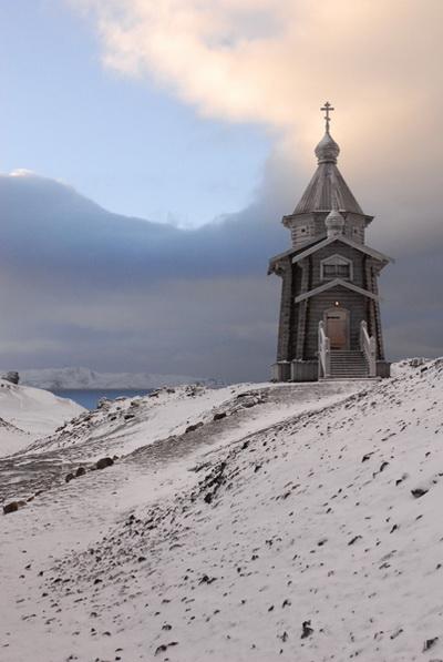 Уже пять лет стоит храм в Антарктиде