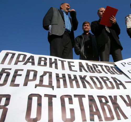 Оппозиционера Федора Ваганова (слева) ЛДПР не выдвинула кандидатом в депутаты Эл Курултая