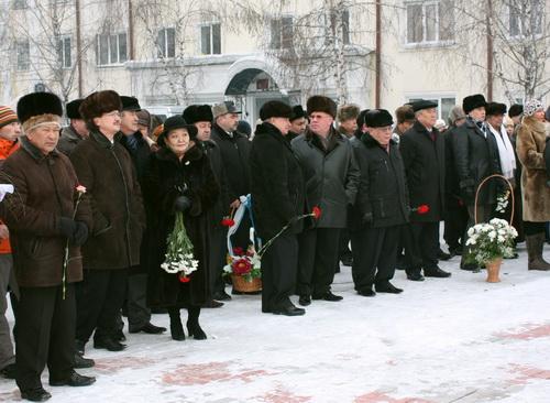 В Горно-Алтайске прошел митинг, посвященный юбилею Чорос-Гуркина