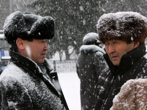 Александр Манзыров (слева) предпочитал оставаться в тени