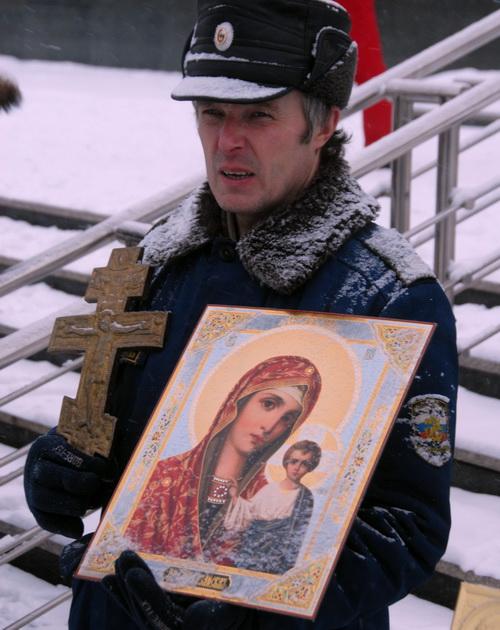 Православные провели молитвенное стояние против адвентистов