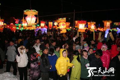 В городе Алтай прошел Фестиваль фонарей