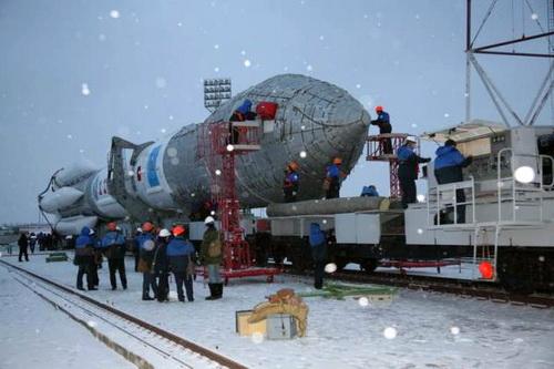 Ракету-носитель доставили на стартовый комплекс