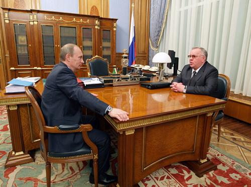 Контакты с первыми лицами страны позволили Бердникову привлечь в республику несколько миллиардов рублей