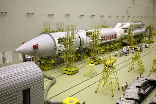 Стыковка ракеты-носителя и спутника