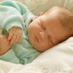 403 младенца появились на свет в марте