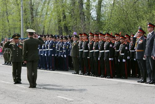 В Горно-Алтайске на День Победы прошел парад