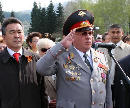 Парад принимал глава республики Александр Бердников…