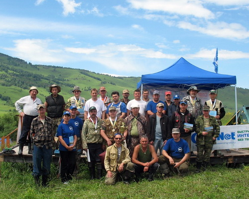 Участники соревнований на Бабыргане (фото с http://fishing-gorny.ru/)