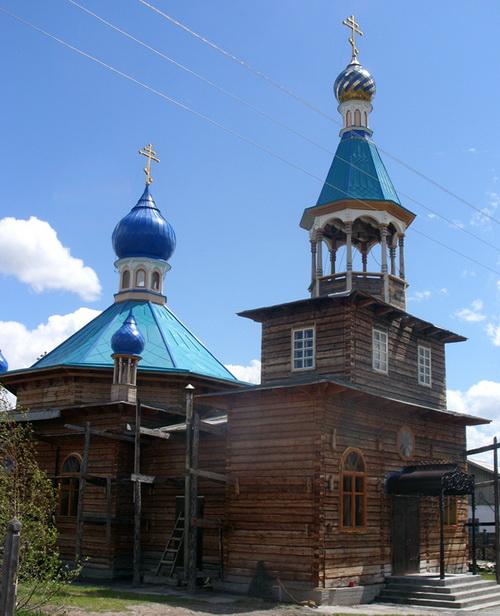 Храм великомученика Пантелеимона в селе Балыктуюль