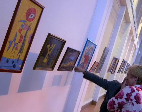 Выставка работает в здании Национального драмтеатра