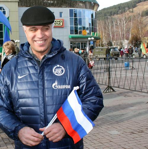 … а вице-премьер Сергей Тевонян – в своей