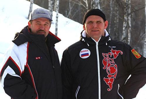 Михаилу Антонову (слева) в свое время удалось убедить Александра Карелина вложиться в «Юрманку» (фото odnoklassniki.ru)