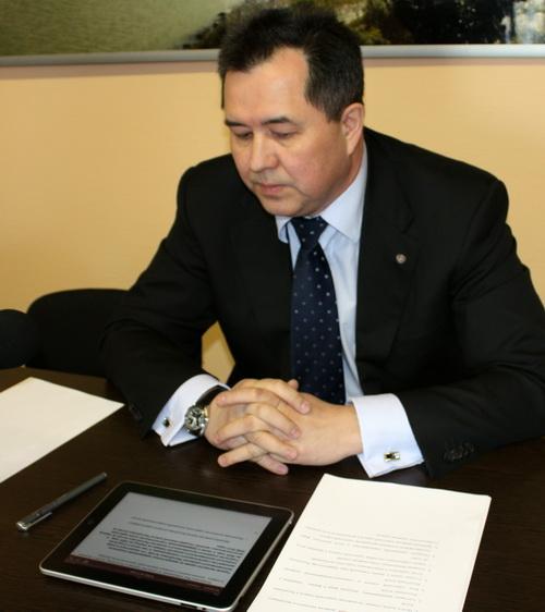Евгений Ларин оценил удобства планшетника