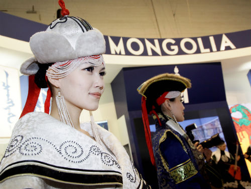 Большое внимание организаторы уделяют турпродукту Монголии…