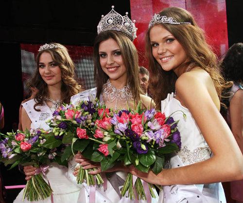 Яна Дубник, Наталья Кантемурова, Анастасия Машукова (фото с сайта yustas.livejournal.com)
