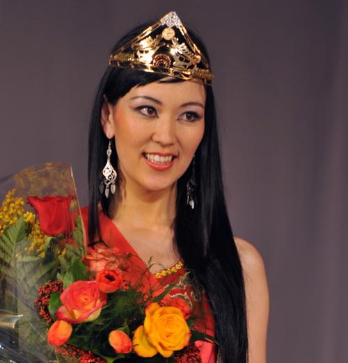 Первая «Принцесса Алтая» Арунай Майхиева