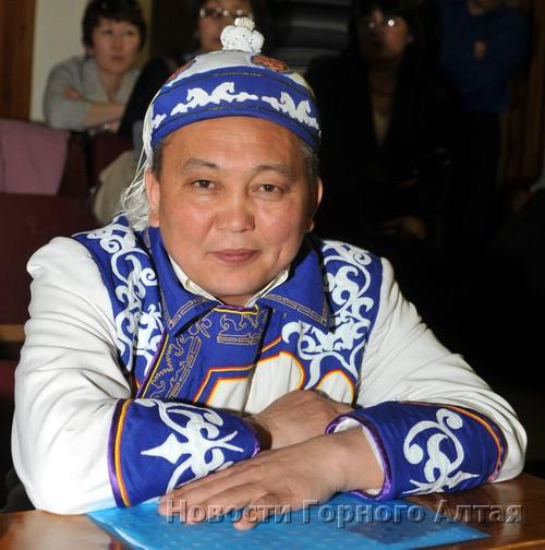 Акай Кине («Белый правитель») не стал баллотироваться на пост Эл башчы