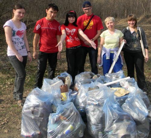 Молодежный совет при мэрии города насчитал сто мешков мусора