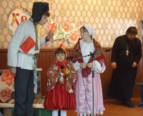 Православные показывают заключенным «Курочку Рябу»