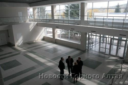 Внутри аэровокзала