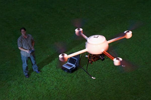 Dron MD4-200