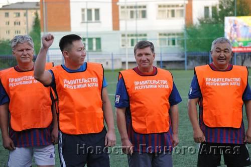 Леонид Ефимов готов вести правительство в бой