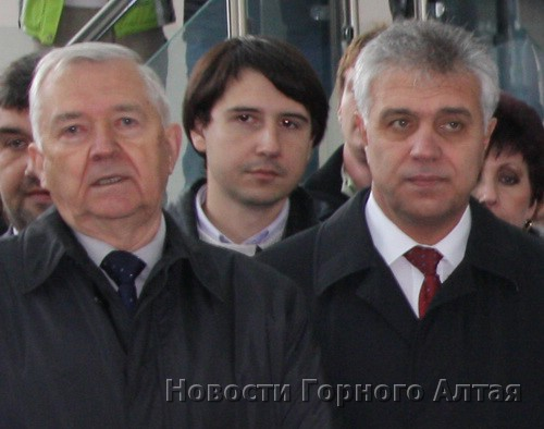 В том, что на «Алтайскую долину» зайдет «Сибмост» (слева – Альберт Кошкин), Сергей Тевонян (справа) не видит никакой политики или чьих-то личных интересов