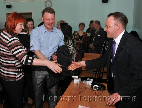 Александр Калистратов (справа) прошел несколько судом и одержал победу