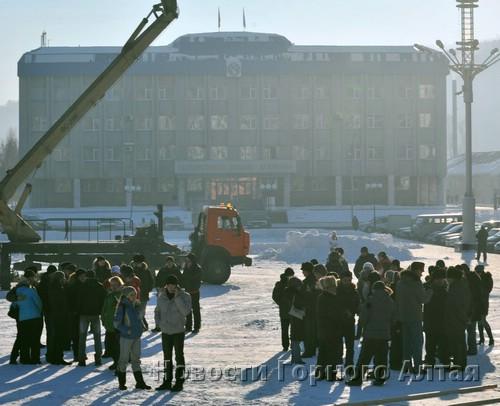 Собрание несогласных с итогами думских выборов в Горно-Алтайске