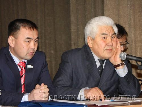 Депутат Госсобрания Урмат Князев и бывший президент Ассоциации КМН Василий Максимов