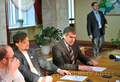 Самовыдвиженцы вняли призыву Виктора Ромашкина объединиться вокруг его кандидатуры